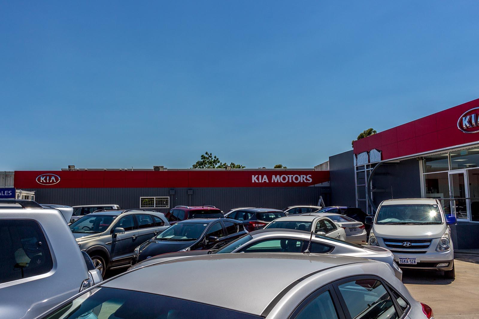 acm cladding at Kia Motors Midland by compac | perth signs